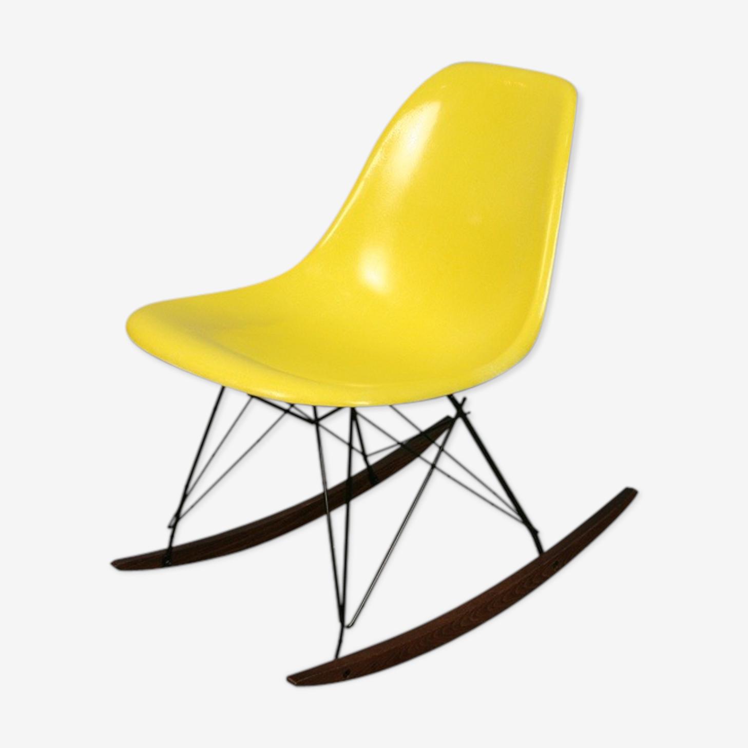 Chaise à bascule rocking chair jaune Eames Herman Miller