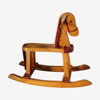 Cheval a bascule en bois et cuir