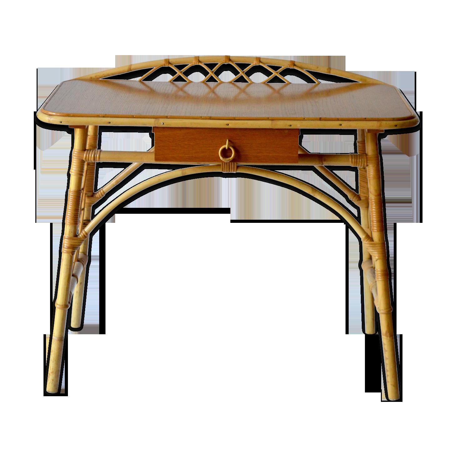 Chaise en osier et bureau de rotin sur le patio photo stock