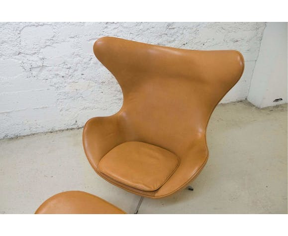 Egg Chair Cognac.Egg Chair And Ottoman Cognac Leather Arne Jacobsen 1960 Chair