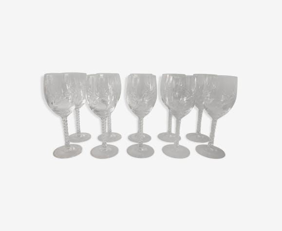 BHV - Suite de 10 verres à vin en cristal gravé