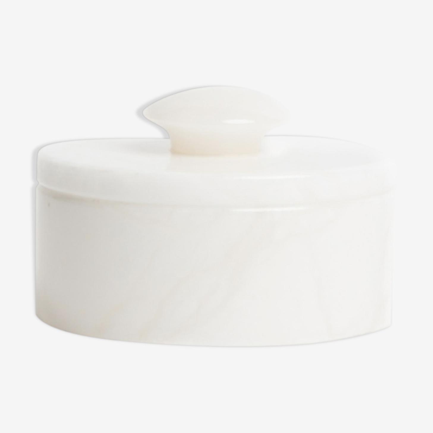 Boîte en albâtre