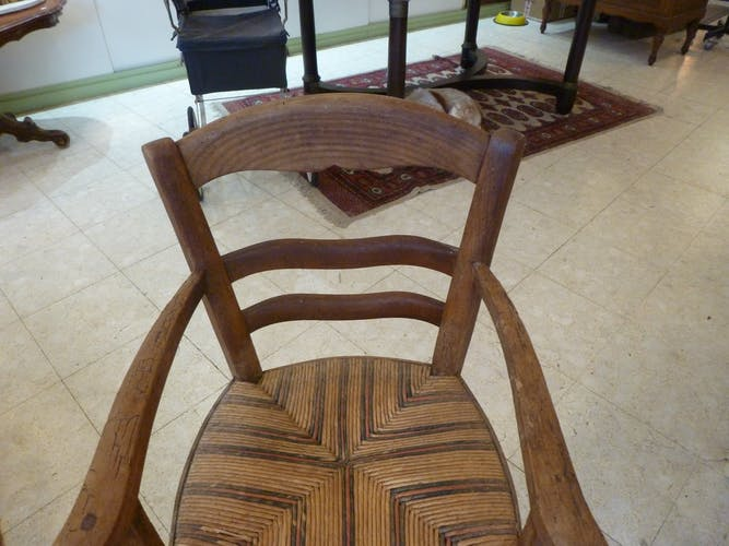 Chaise haute pour enfant en bois assise paillée début 20ème siècle
