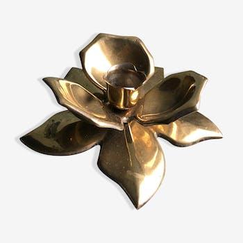Brass flower candleholder