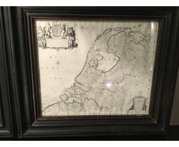 Lot de 2 cartes anciennes sous verre avec cadre noir