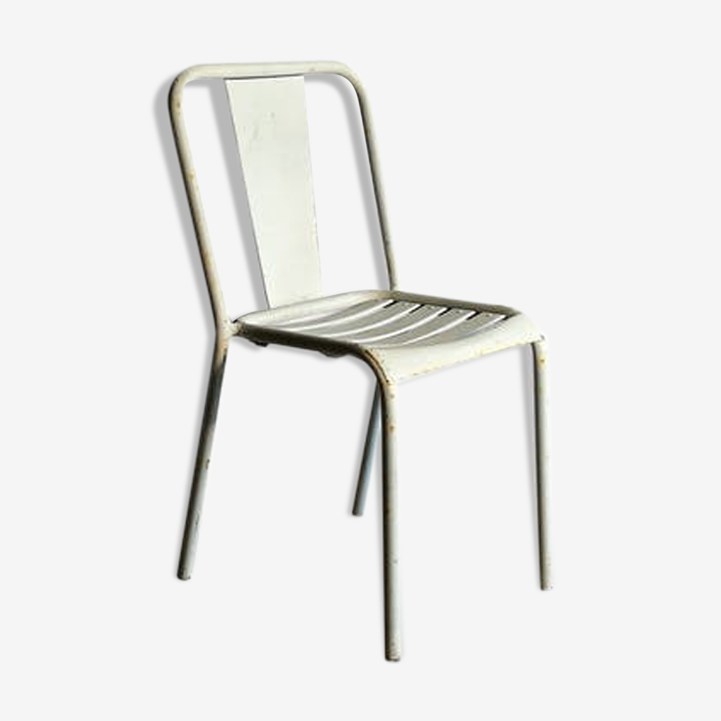 Chaise métal tolix T4 de Xavier Pauchard