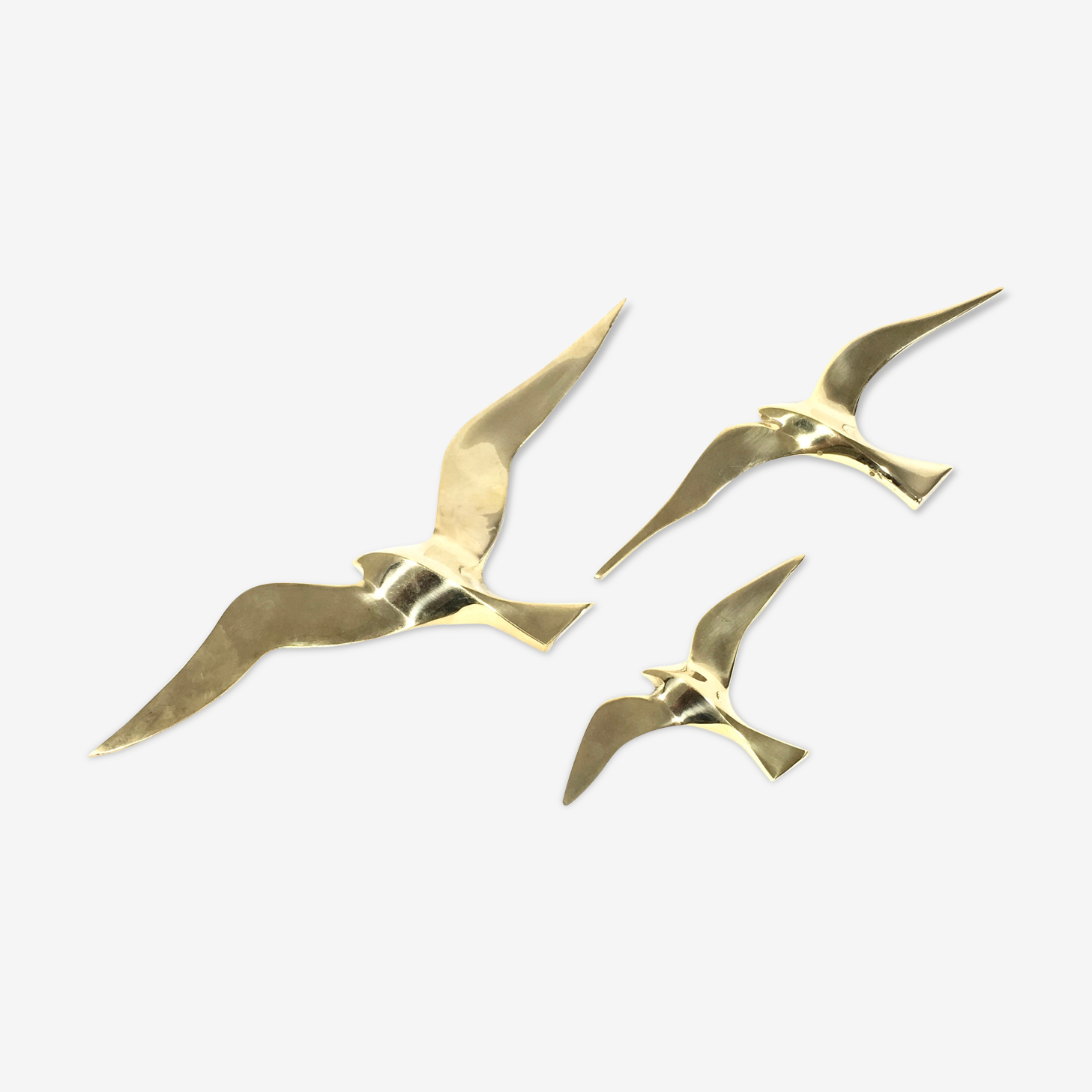 Trio of seagulls in brass