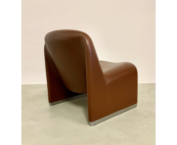 Leather lounge chair model Alky by Giancarlo Piretti