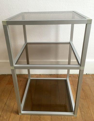 Table d'appoint en aluminium et verre fumé années 70