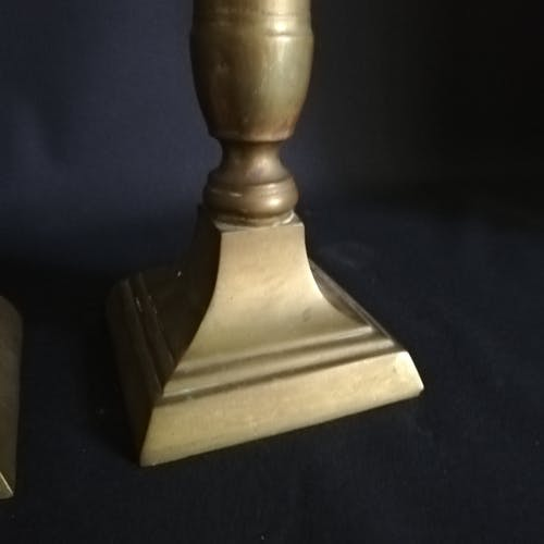 Paire de bougeoirs pic cierge en laiton massif 1880