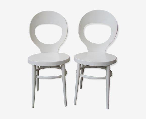 Paire de chaises baumann modèle mouette blanches