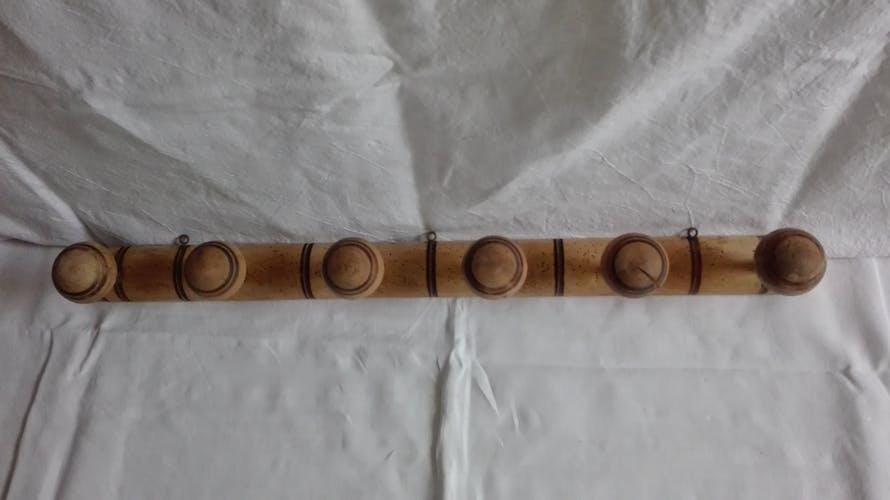 Porte manteaux en bois style banbou
