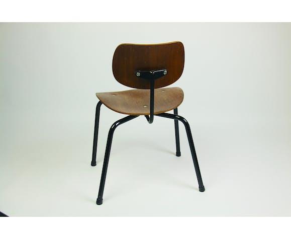 Chaises d'Egon Eiermann
