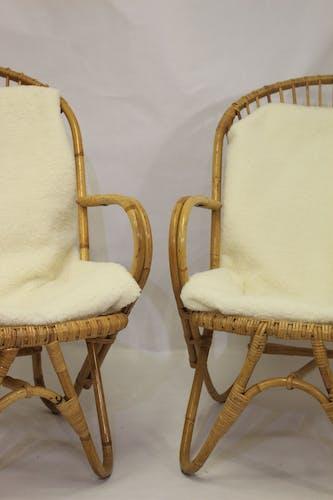 Paire de fauteuils vintage en rotin année 60 pieds papillons