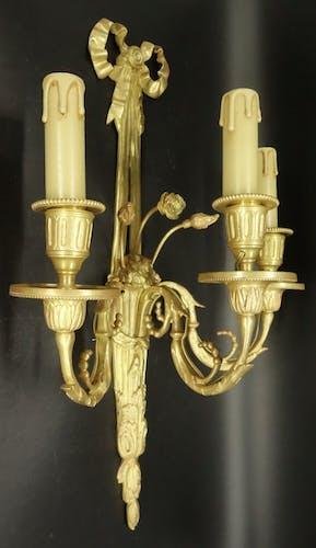 Paire d'appliques 3 feux, style Louis XVI, du XIXe