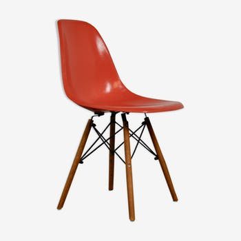 Chaise DSW par Charles & Ray Eames pour Herman Miller 1970