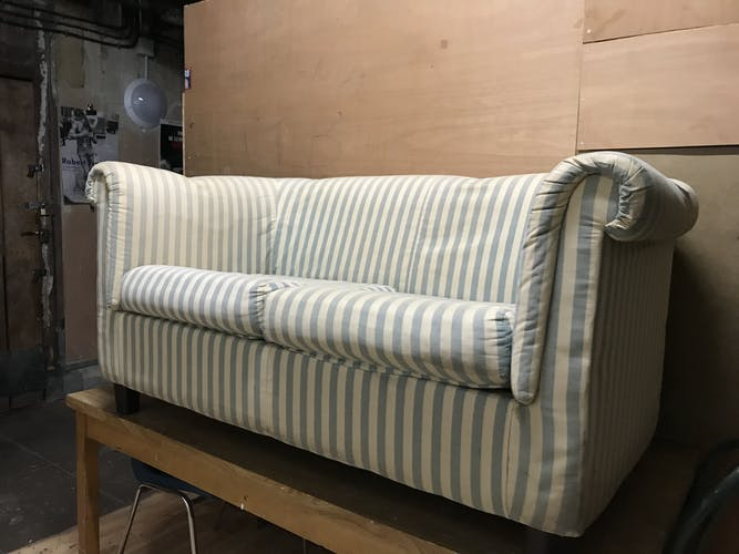 Canapé forme chesterfield