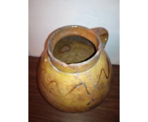 Poterie ancienne vase ou pichet