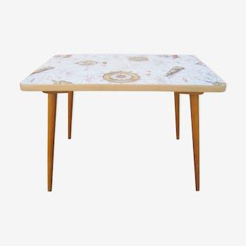Table basse décor de marin vintage