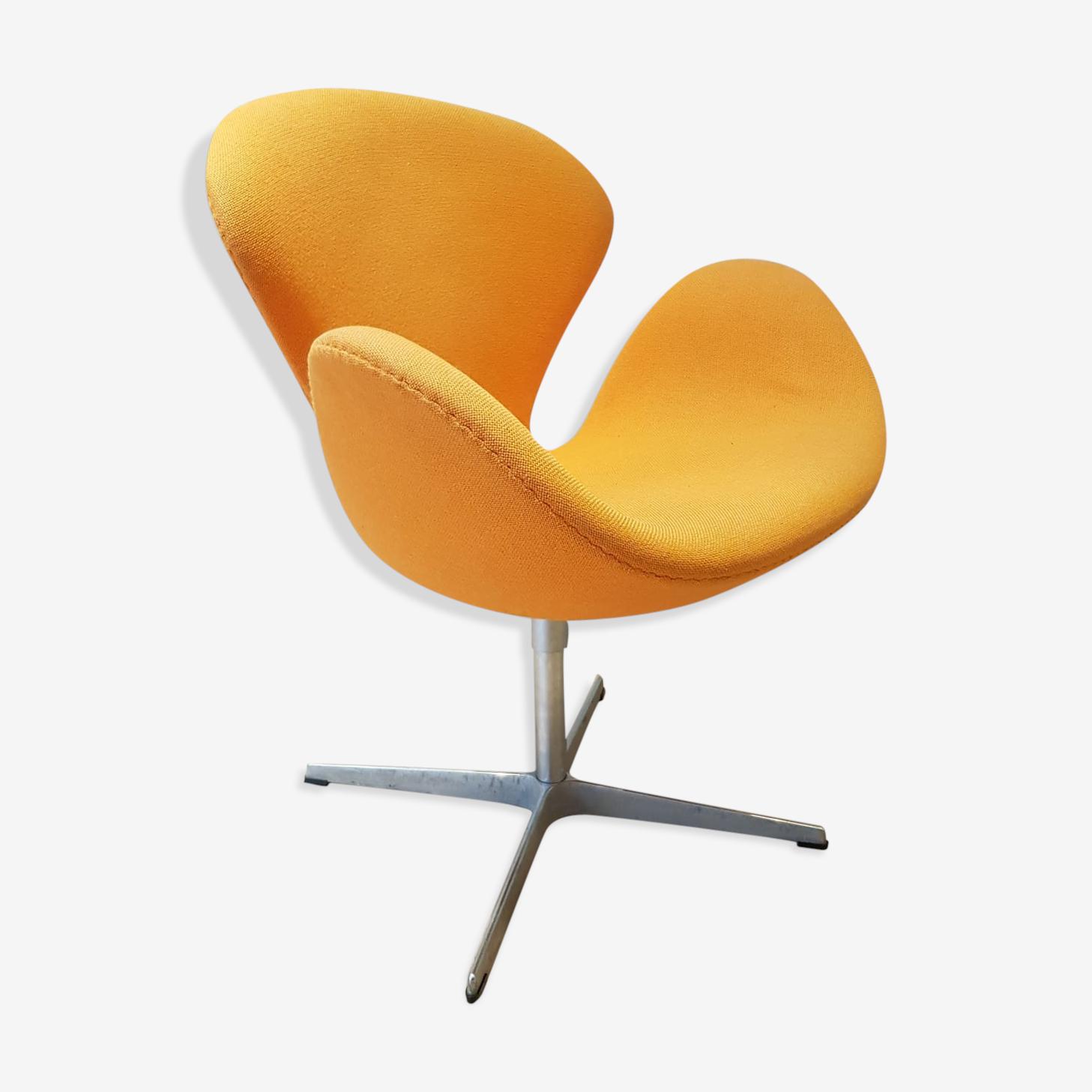 Fauteuil Swan orange par Arne Jacobsen pour Fritz Hansen, Danemark