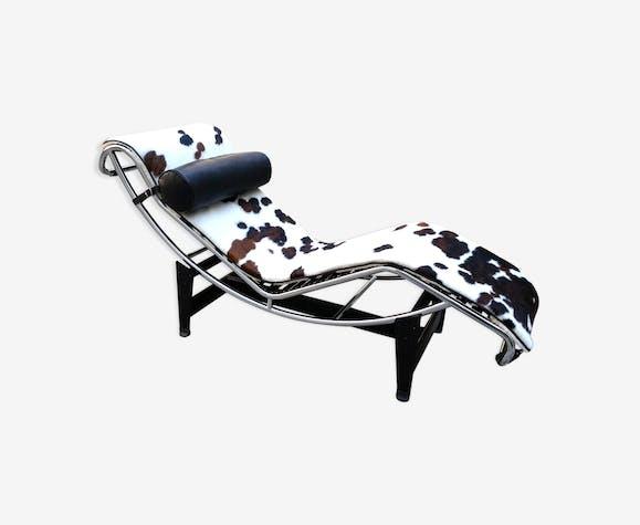 chaise longue lc4 le corbusier de cassina peau de vache peau blanc contemporain m5msxbp. Black Bedroom Furniture Sets. Home Design Ideas