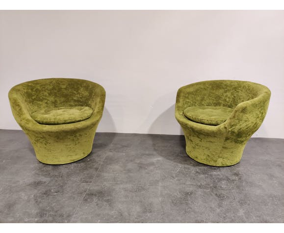 Paire de fauteuils en velours vert du milieu du siècle, années 1960