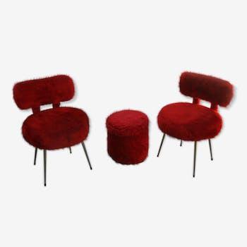 Lot 2 chaises et un pouf coffre moumoute rouge