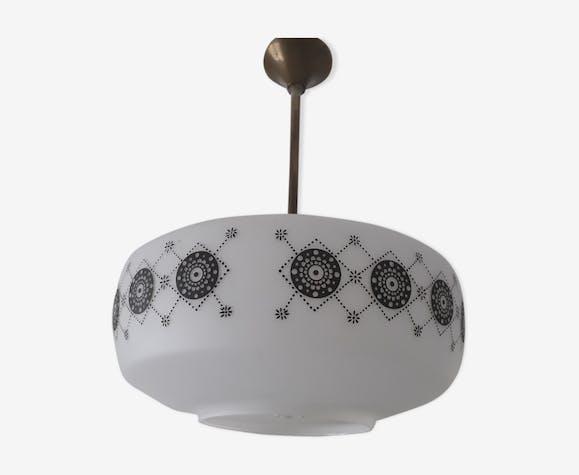 Suspension lustre opaline blanche et motifs noirs design