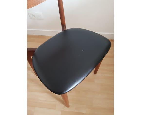 Suite de 6 chaises scandinave Harry Ostergaard en teck