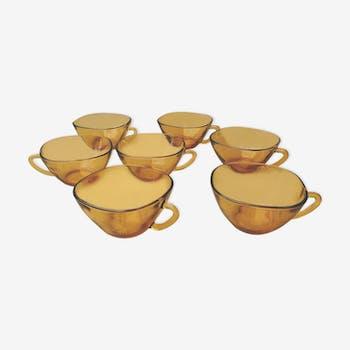 Lot de 7 tasses en verre ambré 70