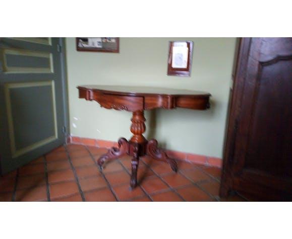 Violin table