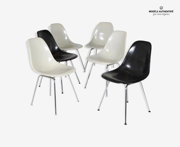 Suite De 6 Chaises Eames Blanches Et Noires