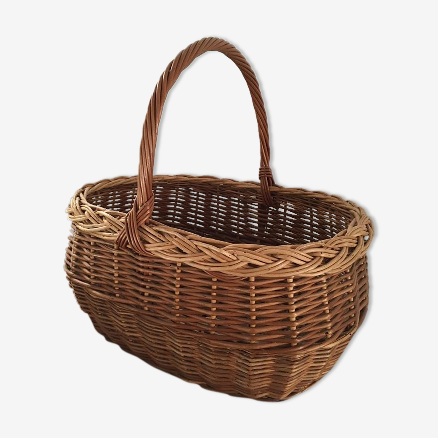 Two-tone braided wicker basket