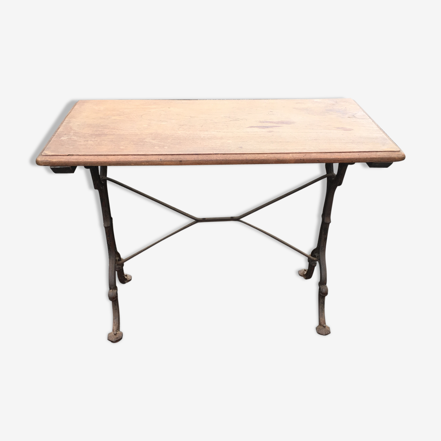 Bistro table iron and oak