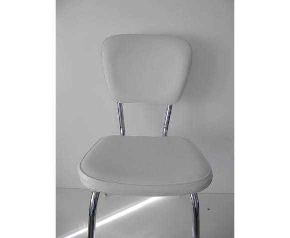 Chair in white leatherette of the 1970s