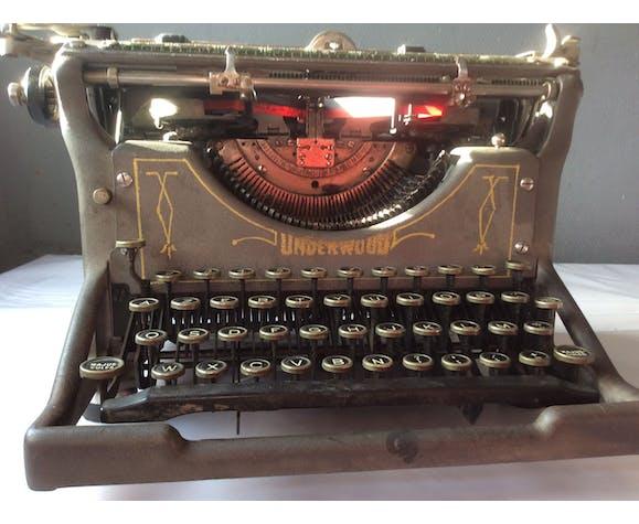 Machine à écrire ancienne Underwood