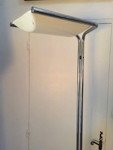 Guzzini lamppost
