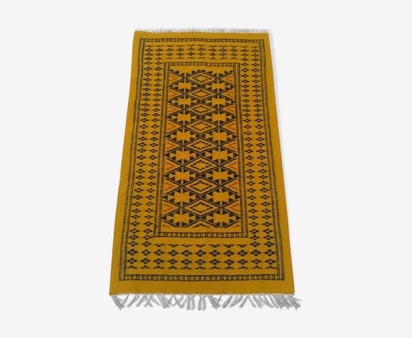 tapis berb re jaune et noir en laine 142 x 72 cm laine. Black Bedroom Furniture Sets. Home Design Ideas