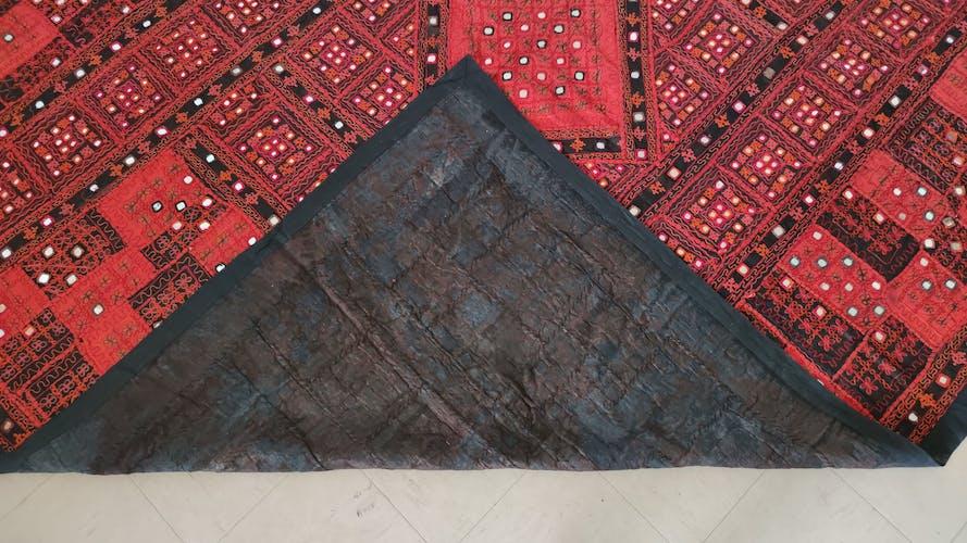Tapis ethnique pachtoune-baloutchi 262 x 223 cm