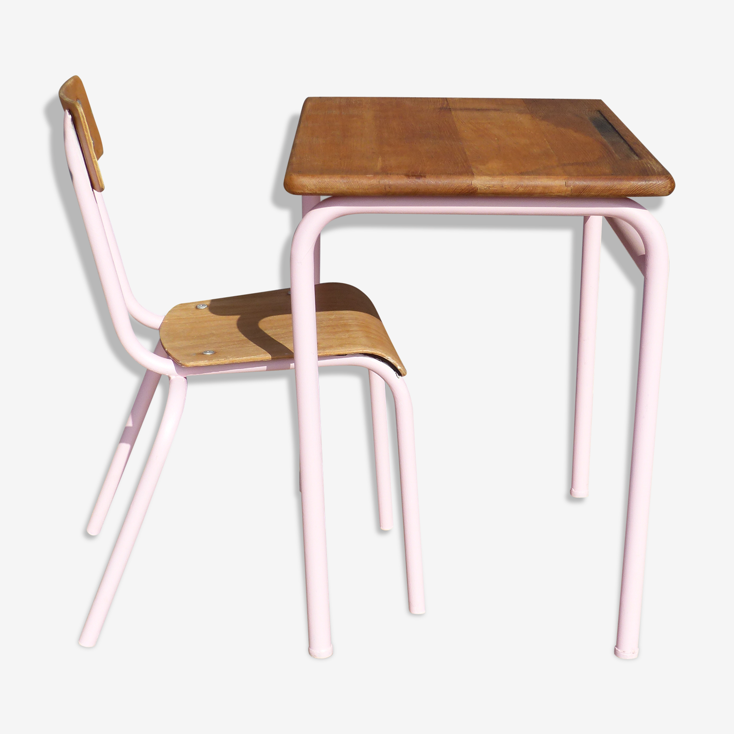Pink desk and chair