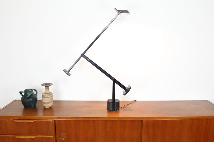 Tizio balance lamp by Richard Sapper for Artemide