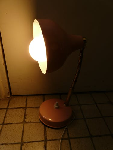 Pink metal table lamp flexible brass arm 70s vintage