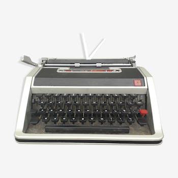 Machine à écrire Olivetti lettera DL