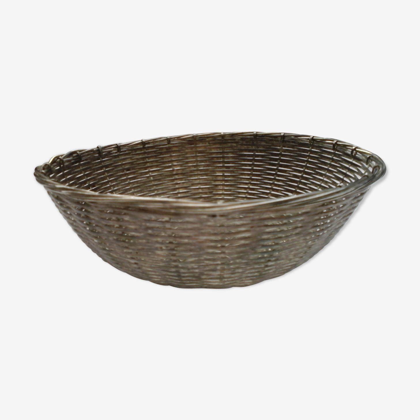 Braided metal basket