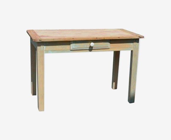 Low farm table
