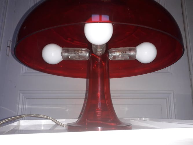 Lampe de table Nessino par Artemide