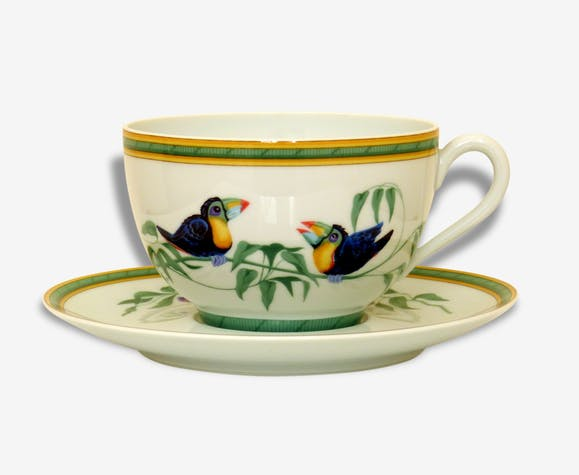 grande tasse et soucoupe petit d jeuner en porcelaine de limoges toucans herm s paris. Black Bedroom Furniture Sets. Home Design Ideas