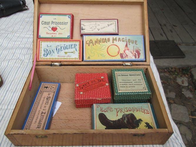 Boite de jeu avec jeux anciens