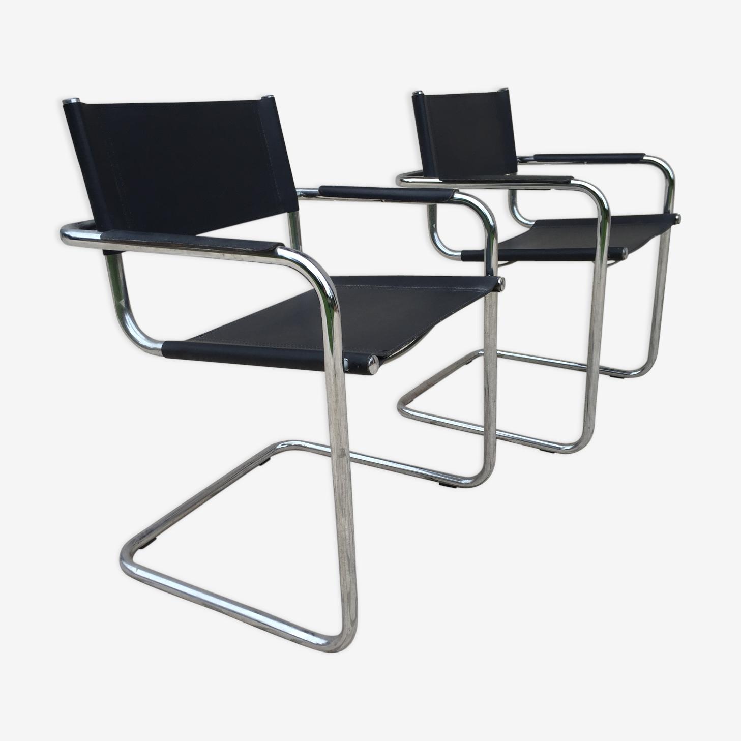 Paire de fauteuils en simili cuir et chrome des années 70