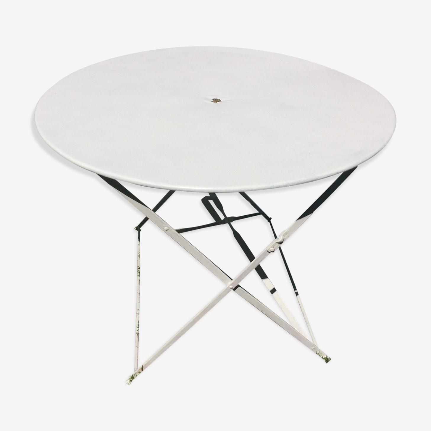 Folding twin-size 1950 vintage iron garden table
